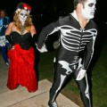 Hilary-Duff-Mike-Comrie-skeletons-Halloween