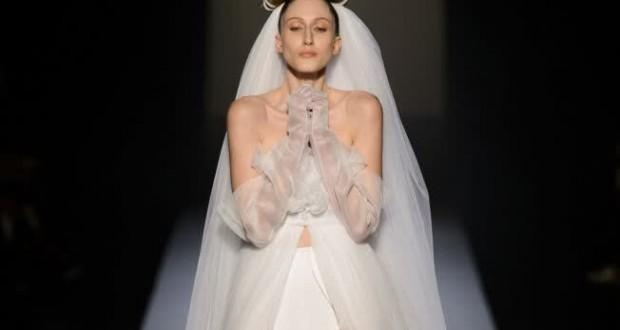 Défilé Jean-Paul Gaultier sur le thème de la robe de mariée lors de la Fashion Week 2015 à Paris