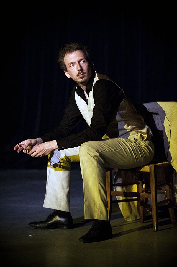 Florent Aumaître interprète Le Horla au Théâtre Michel